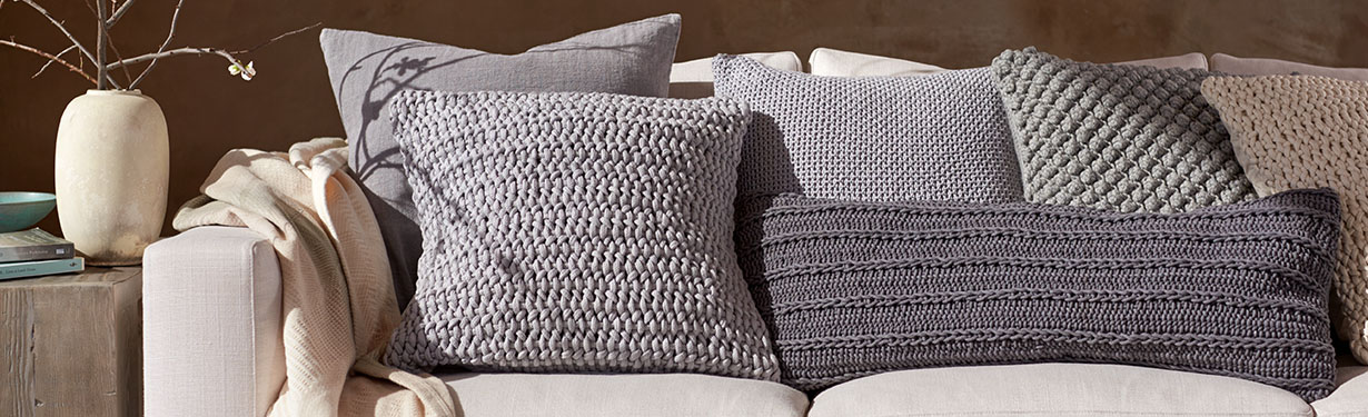 Pillows decorative winda 7 furniture for Housse sofa walmart