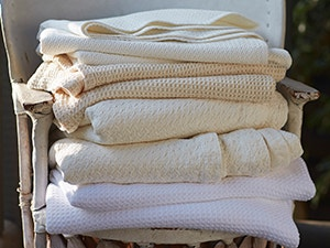 Blankets, Coverlets + Quilts