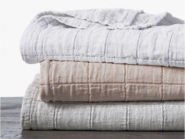 Trinity Organic Matelasse Blanket Swatch