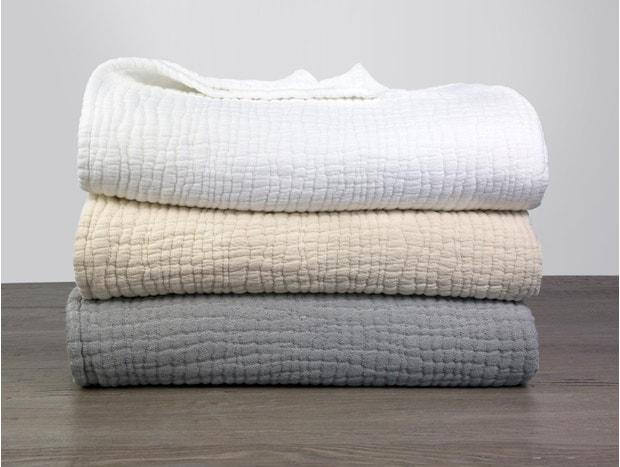 Wave Organic Matelasse Blanket