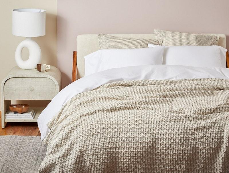 Miramar organic blanket with 300 thread count organic sateen sheets