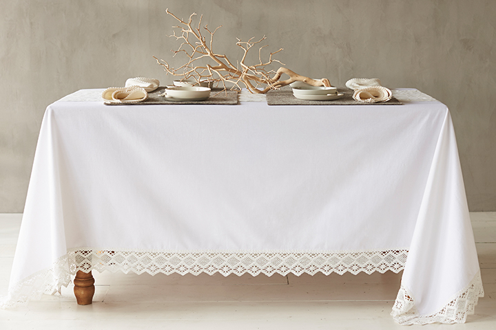 Grand Lace Tablecloth