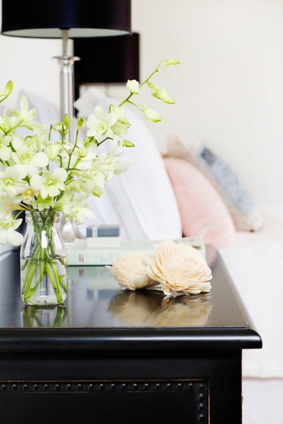 Guestroom Essentials: Fresh Flowers