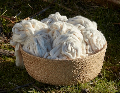 Bowl of undyed thread