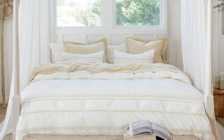Ventura organic duvet cover in straw
