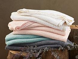 Shop-Cozy-cotton-blanket