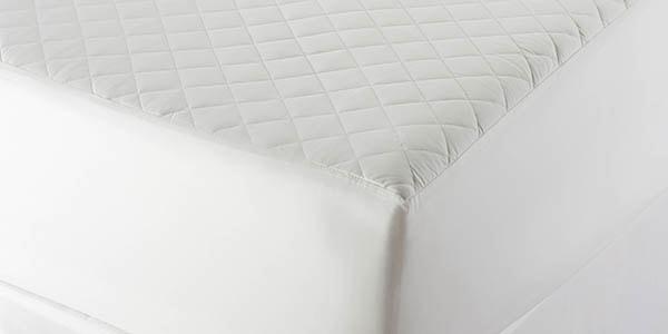 detail of the organic mattress pad