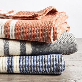 Cirrus Stripe Throw